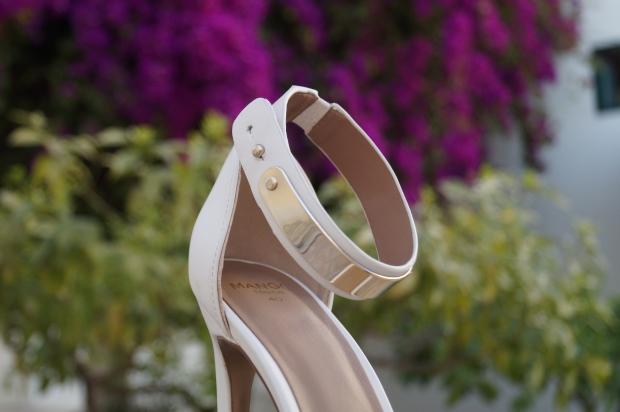 mango_white_gold_stilettos